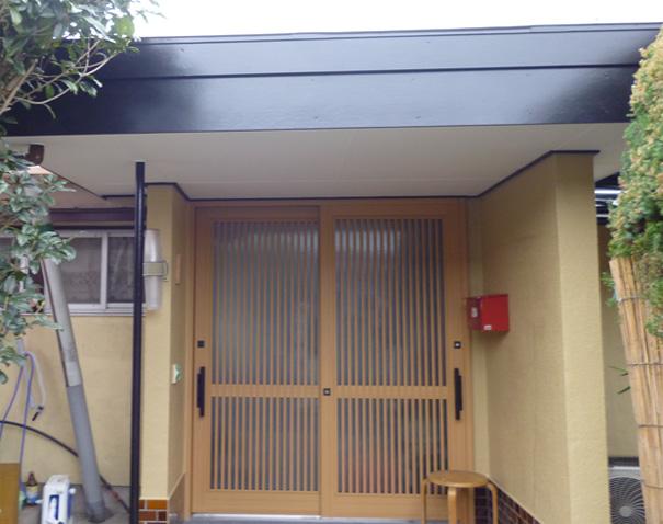 玄関ドア取替・壁塗装